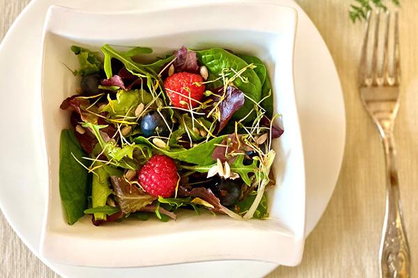 Colourful summer salad